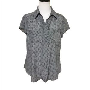 New York & Company Short Sleeved Casual Top M